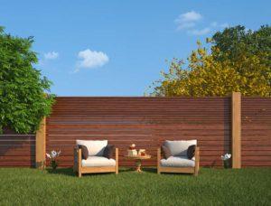 Gartenzaun aus Metall oder aus Holz?