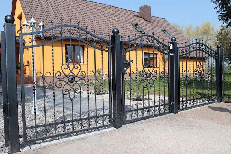 Gartenzaun Aus Metall Oder Aus Holz Gartenwerk24 De