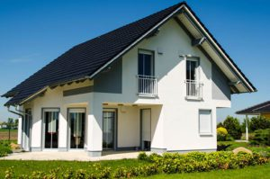 Satteldach Als Lsung Fr Moderne Huser With Modernes Mit Satteldach.