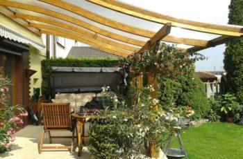 Terrassenüberdachung aus Holz - natürlich und langlebig